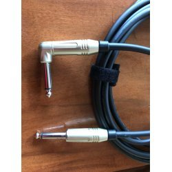 Mogami 2524 Custom Series Professional Guitar Cable - Amphenol Nickel Right Angle To Straight TS Connectors