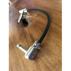 Mogami 2319 Guitar Patch Cable with SP400 Flat Right Angle TS Connector.